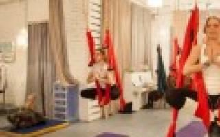 Польза йоги в гамаках и комплекс упражнений для начинающих