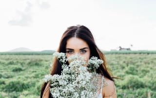 К чему снится бывший муж дарит цветы